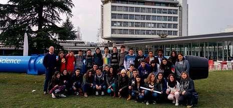 Los alumnos de Ciencias del IES de Sar visitaron las instalaciones del CERN en Ginebra.