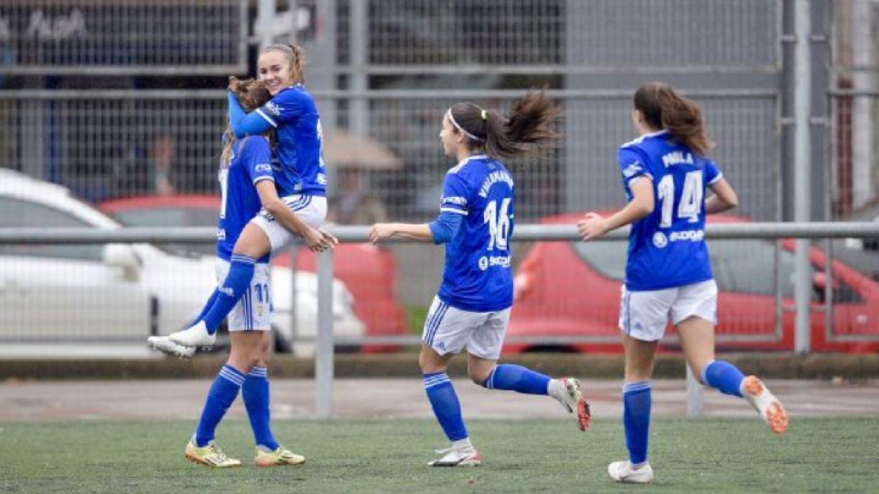 Gol Carol Gonzalez Real Oviedo Femenino Racing Santander.Las futbolistas azules celebran el gol de Carol González