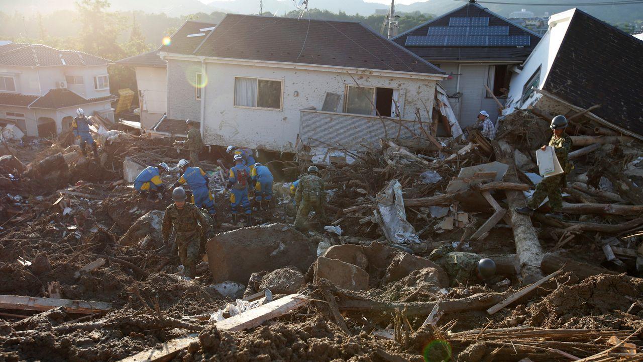 .Labores de rescate en Japón, tras un corrimiento de tierras en Kumano Town