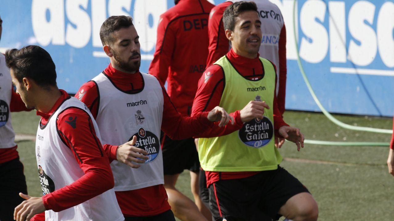 Las mejores imágenes del Deportivo - Almería.El Deportivo ha sumado un solo triunfo en Riazor durante los tres últimos meses