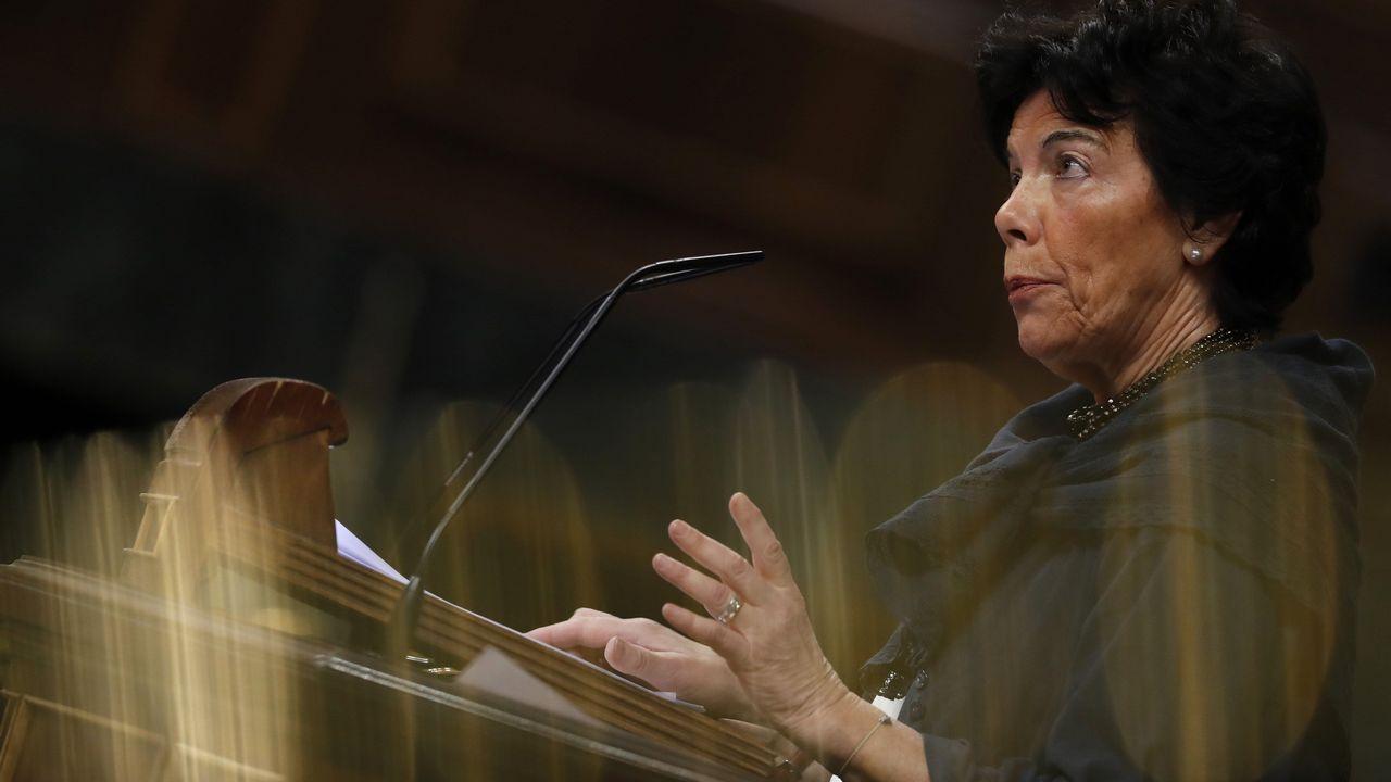 El Congreso rindió homenaje a las víctimas de los naufragios en Galicia y reconoció el «trabajo duro y sacrificado que realizan cada día las mujeres y hombres del mar»