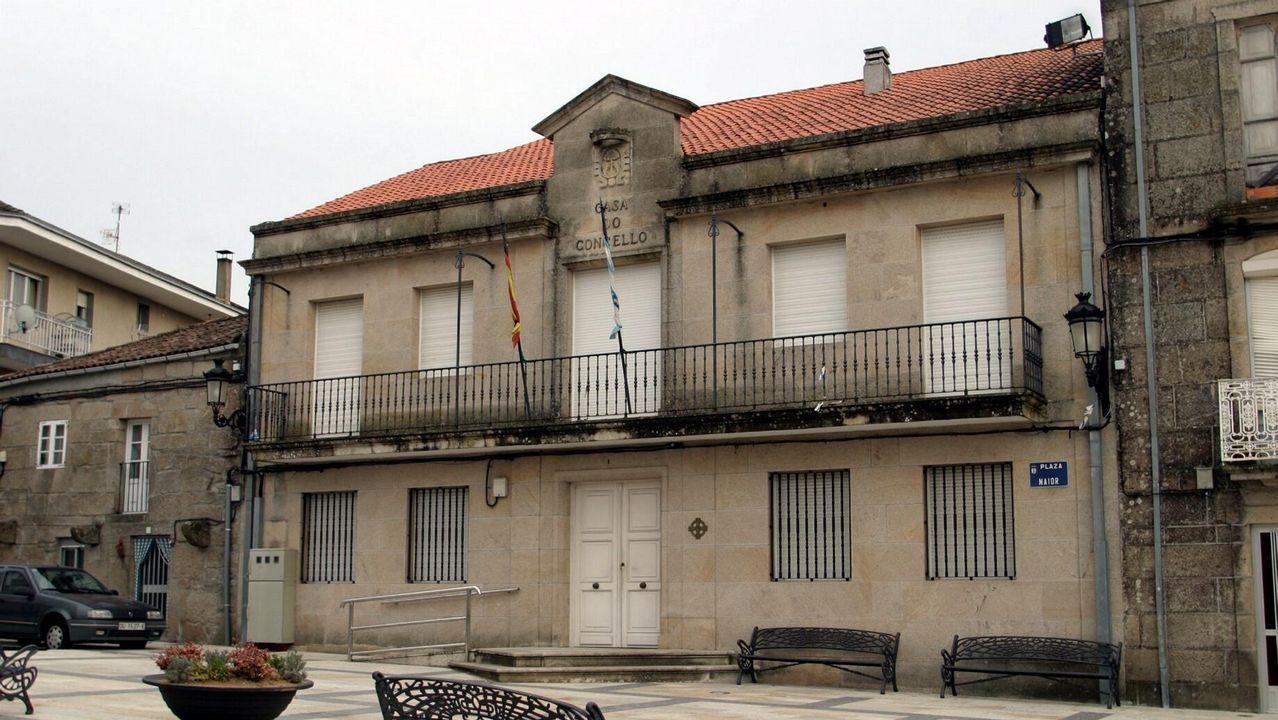 Los emigrantes recogen el premio Ourensanía.En la capital se regularizaron 6.976 inmuebles