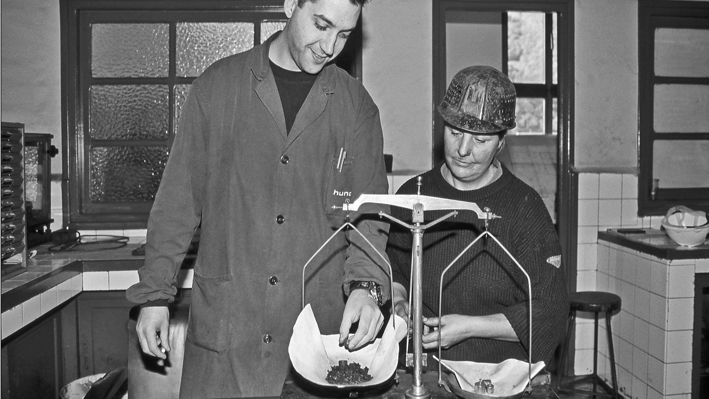Laboratorio del Lavadero de carbon de El Batan. Mieres. Asturias 1997