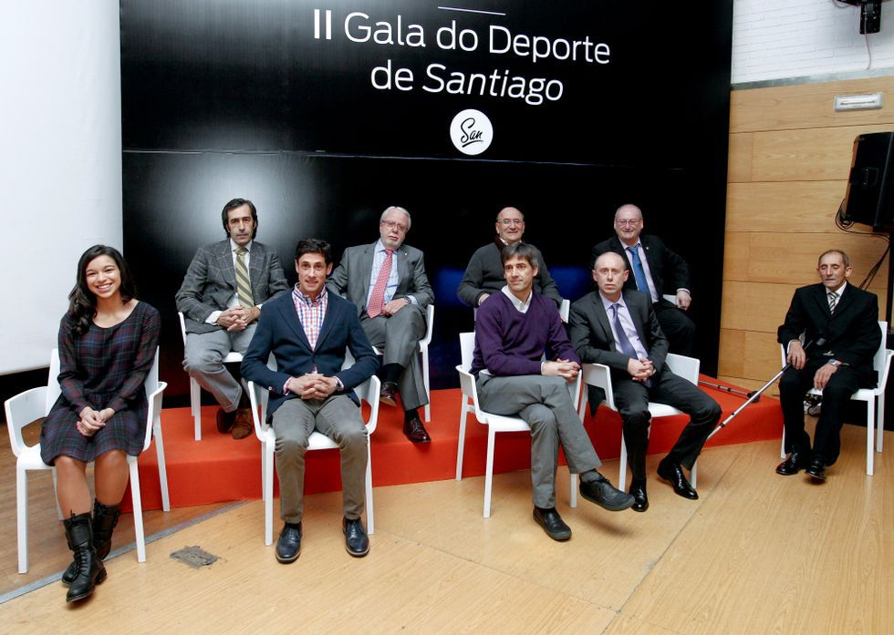 El alcalde entregó los premios a los más destacados del deporte compostelano en el 2014.