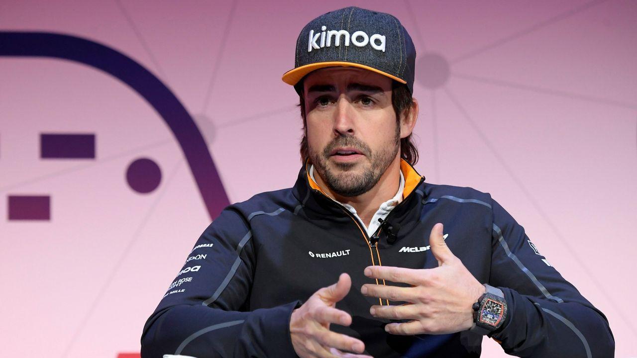 Todos los coches de la parrilla.Fernando Alonso