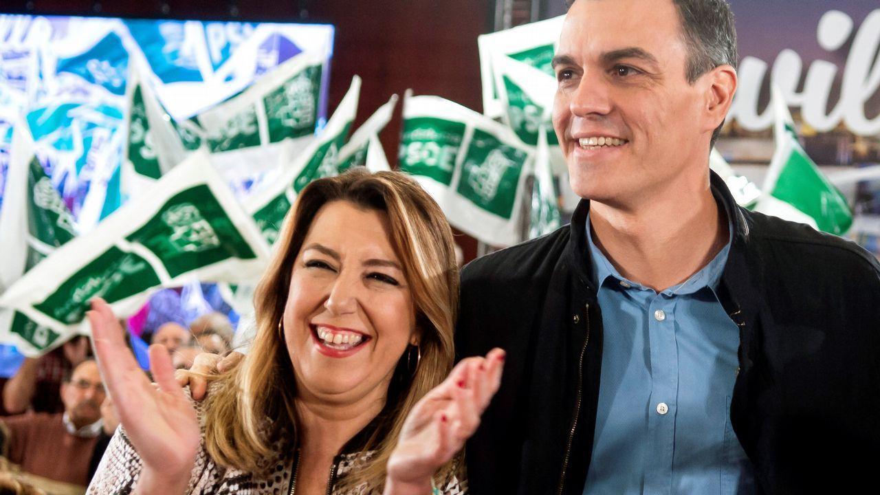 Casado promete una gran rebaja fiscal.Pedro Sánchez y Susana Díaz, juntos hoy en un acto electoral en Sevilla