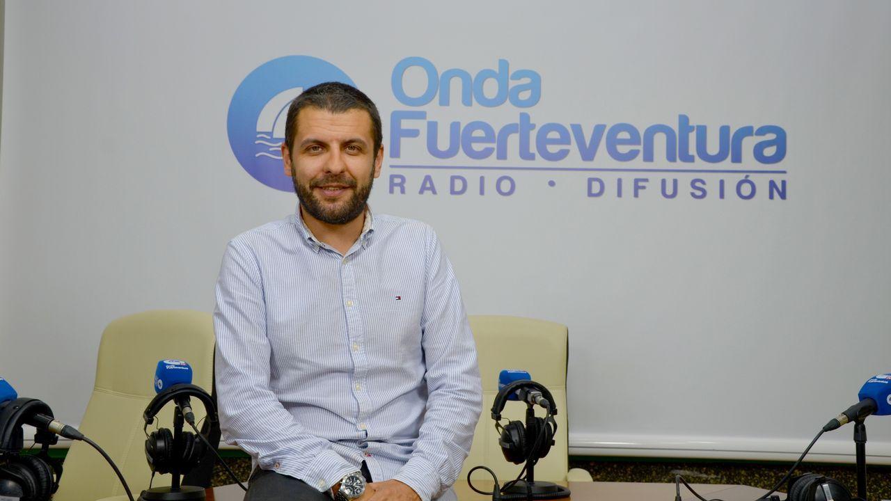 Los rectores quieren desterrar el coste cero y piden financiación para los nuevos grados.Alberto Veiga dirige la emisora Onda Fuerteventura y también presenta todo tipo de actos