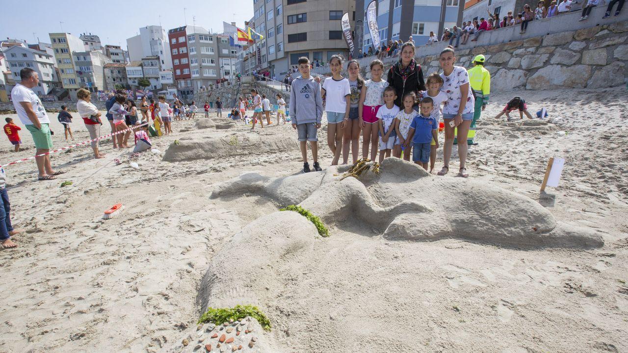 Creatividad a base de arena en Malpica: ¡las imágenes!.