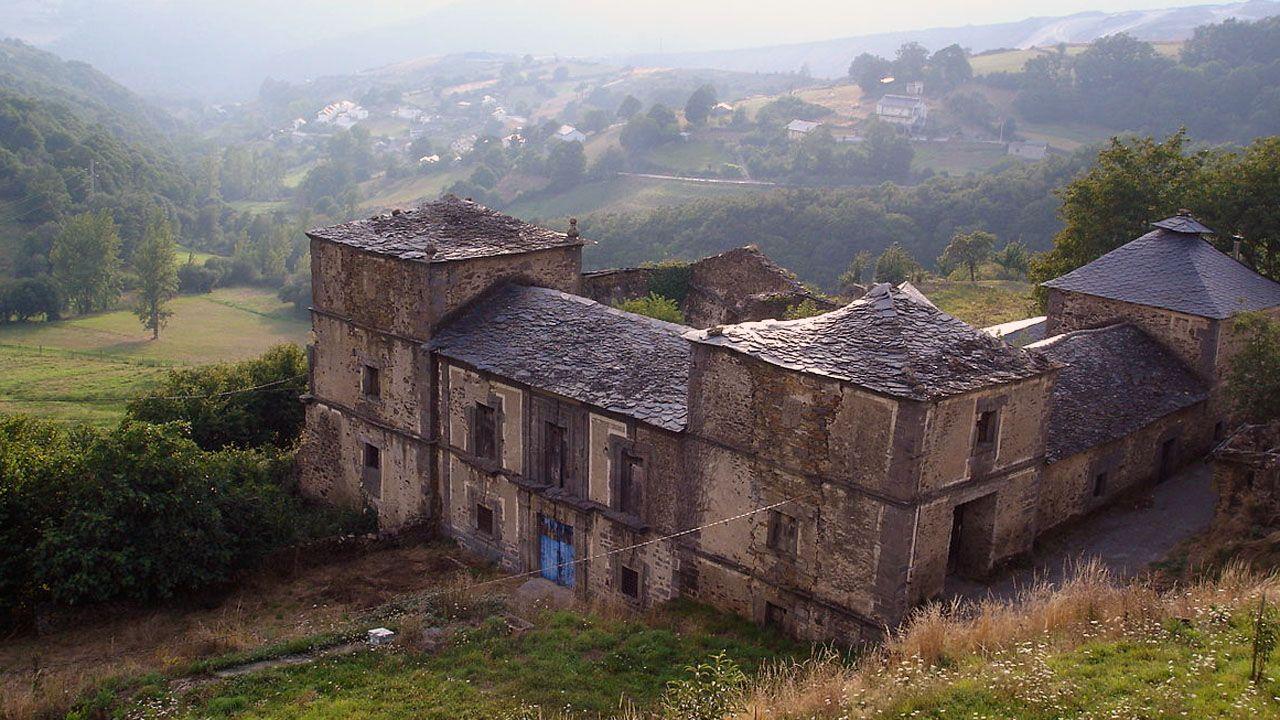 .El palacio de Tormaleo, en Ibias