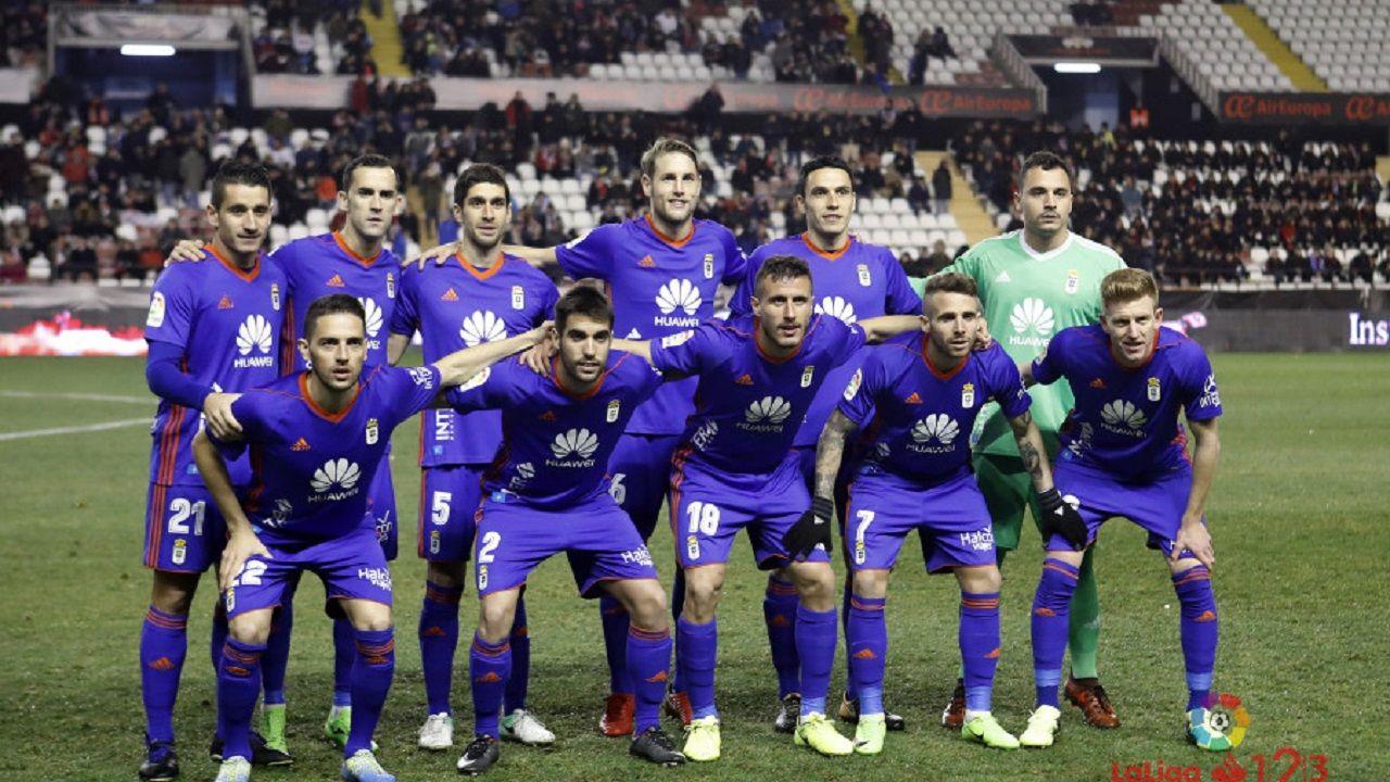 Alineación del Real Oviedo en Vallecas