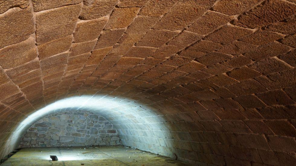 Un monumento de la Ribeira Sacra salvado de la ruina.El pianista y compositor de jazz compostelano Abe Rábade presentó recientemente su nuevo álbum «Doravante» en Madrid y en marzo lo llevará a Lisboa