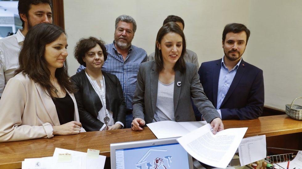 Unidos Podemos registra la moción de censura contra Rajoy.