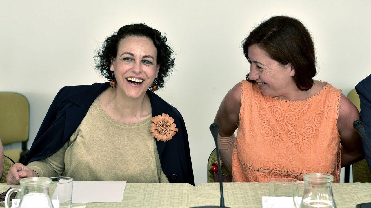 La ministra de Hacienda, Magdalena Valerio, junto a la presidenta del Gobierno balear, Francina Armengol.