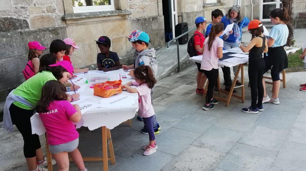 La gran fiesta del vino de Ribeira Sacra en imágenes.EnTrives y Castro Caldelas recogen firmas contra la supresión del servicio de pediatría en los centros de salud