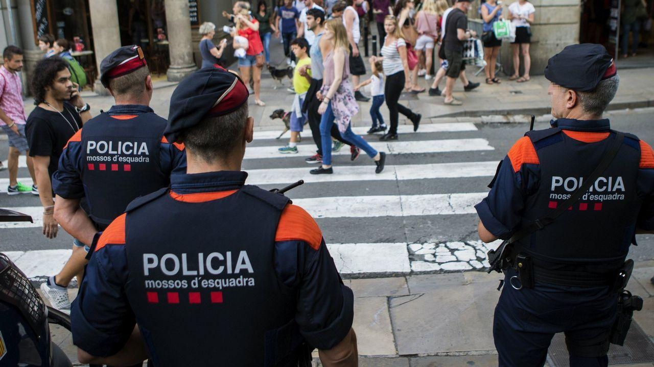 Manifestación de estudiantes en Barcelona en defensa del referendo.La catedrática de Derecho Internacional de la Universidad de Oviedo Paz Andrés Sáenz de Santa María