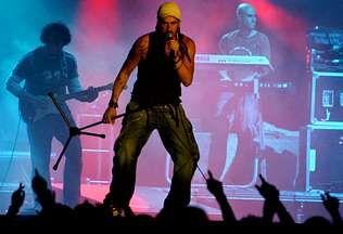 «Gipsy Funky Love Me Do».Melendi estuvo por última vez en la provincia en las fiestas del San Froilán del 2008.