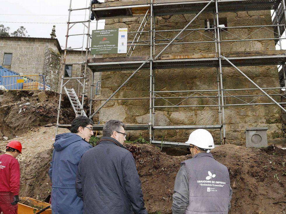 Las autoridades visitaron las obras de rehabilitación del monumento.