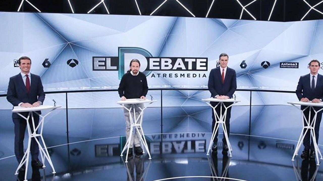 La Asociación de la Prensareivindicasus derechos en Oviedo.Debate de Atresmedia