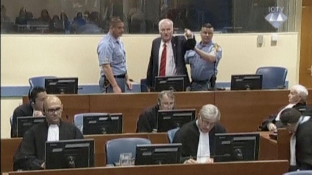 «Están mintiendo», los gritos de Ratko Mladic para intentar postergar el fallo del TPIY