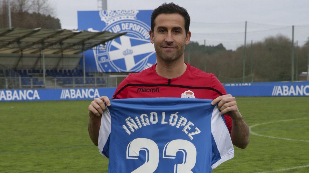 Ernesto celebra uno de sus goles ante el Logroñés
