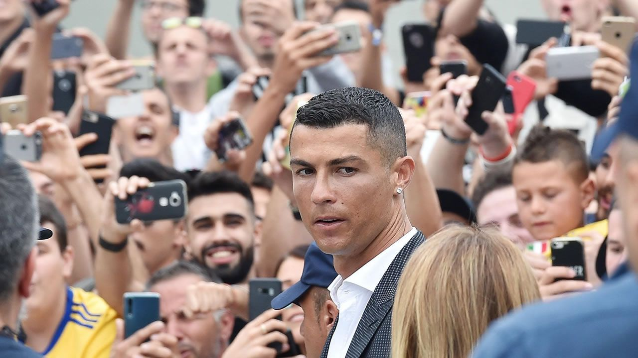 En directo: Presentación de Cristiano Ronaldo con la Juventus.Cristiano Ronaldo