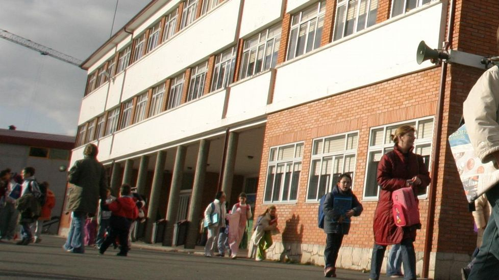 ¡Búscate en la jornada inaugural de la Feira da Educación de Ribeira!.La divulgadora Deborah García durante la jornada Educación Dixital celebrada en Santiago