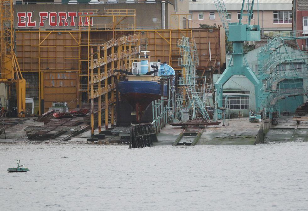 El barco sigue alojado, por cuenta del Concello, en un astillero de la zona de Bouzas.
