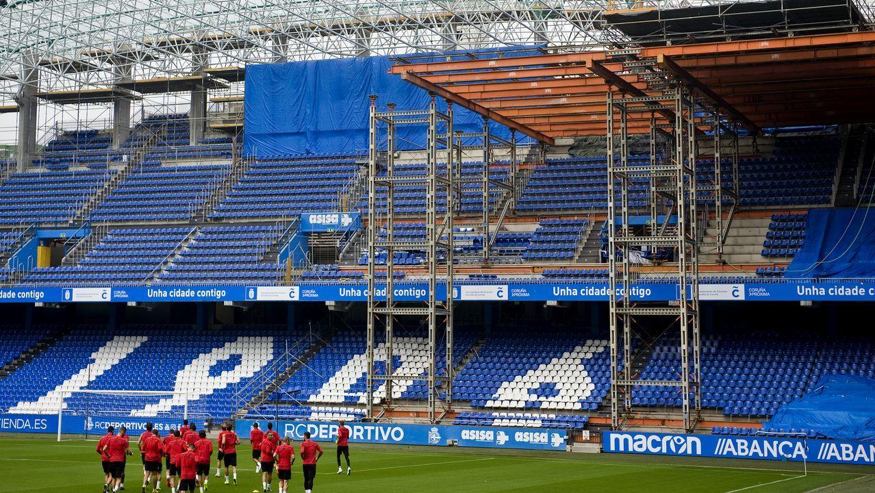 .Imagen de la grada de Marathón durante el entrenamiento de ayer del Deportivo