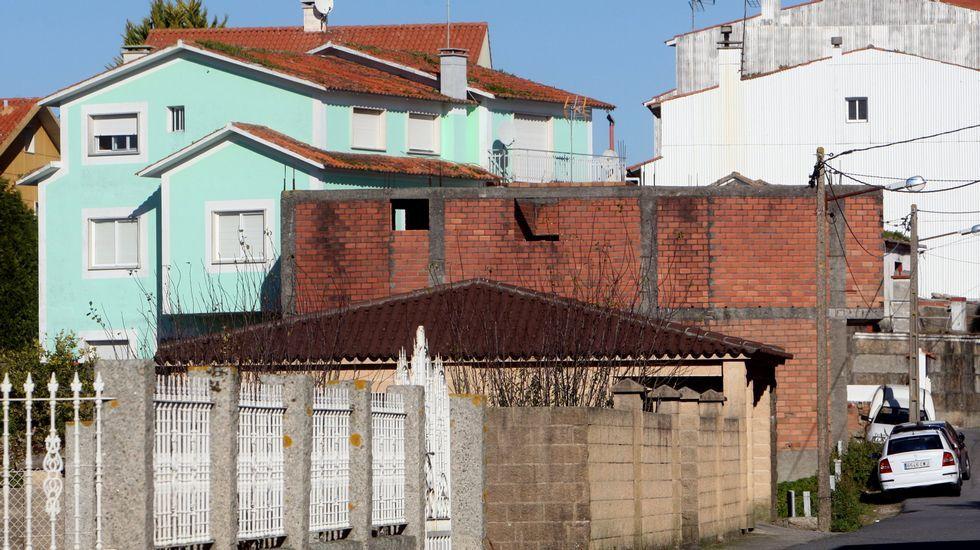 Ladrillo a la vista en una construcción en O Grove.
