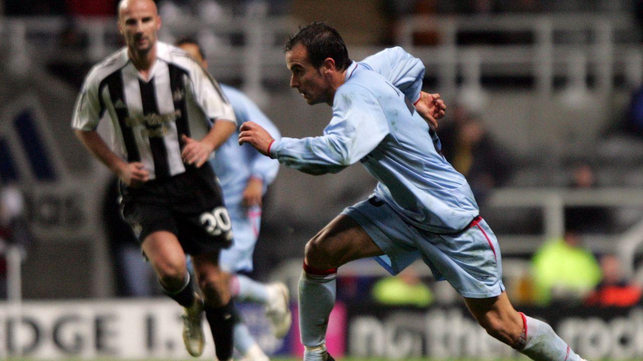 Cruce ante el Newcasltle en UEFA en el 2006