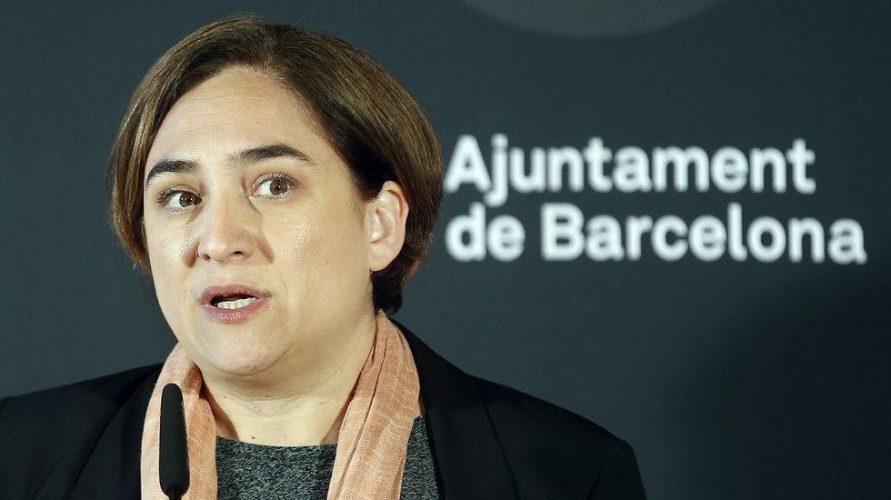 Félix de Azúa, sobre Ada Colau: «Debería estar sirviendo en un puesto de pescado».
