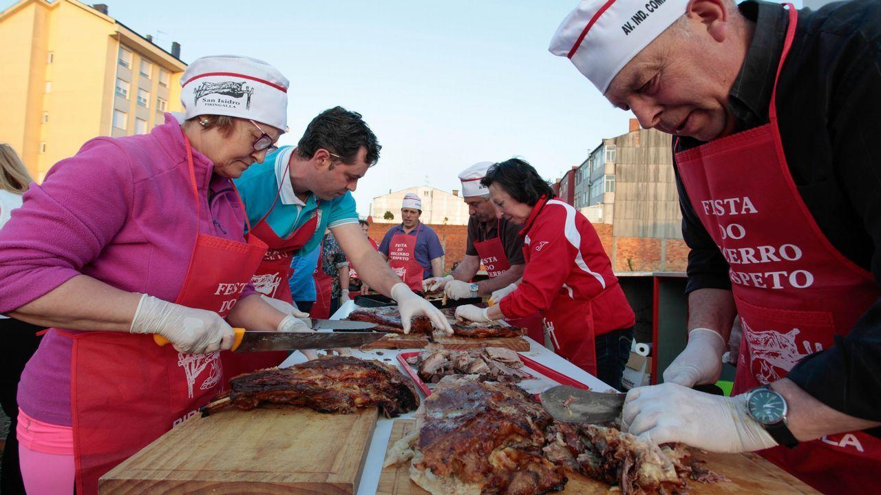 Celebración del San Juan en el barrio de A Piringalla, en Lugo.