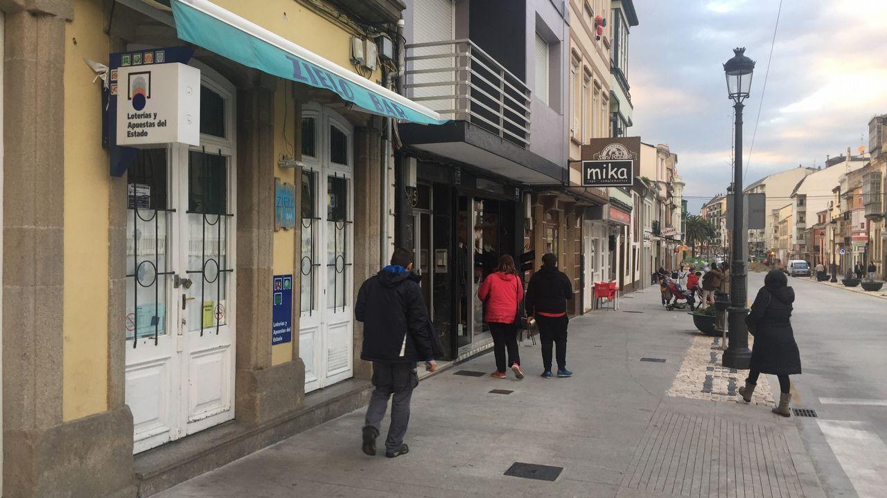 Bar Zielo, en el centro de Ribadeo, donde fue apuñalado un camarero
