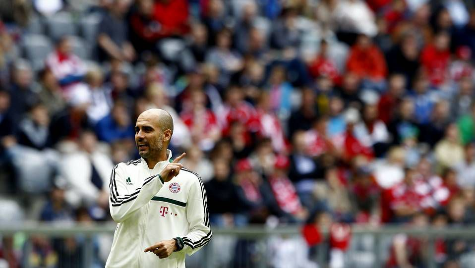 Así fue el primer entrenamiento de Guardiola con el Bayern de Múnich.Guardiola, antes dle amistoso del sábado contra el Hamburgo