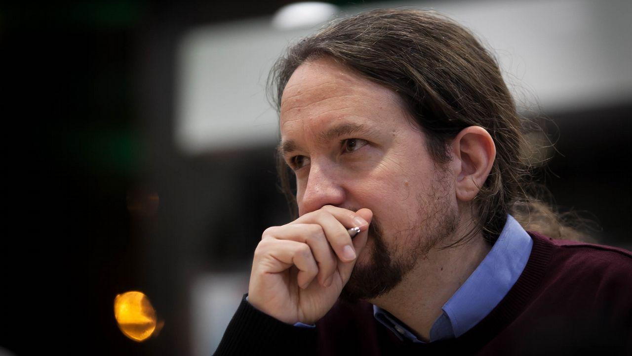 La polémica proyección de los papeles de Bárcenas.El coordinador federal de Izquierda Unida, Alberto Garzón