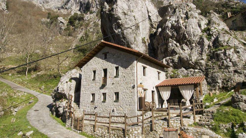 Los cuatro mejores establecimientos hoteleros asturianos en Booking.José María Guzmán Pacios y José Manuel Zapico
