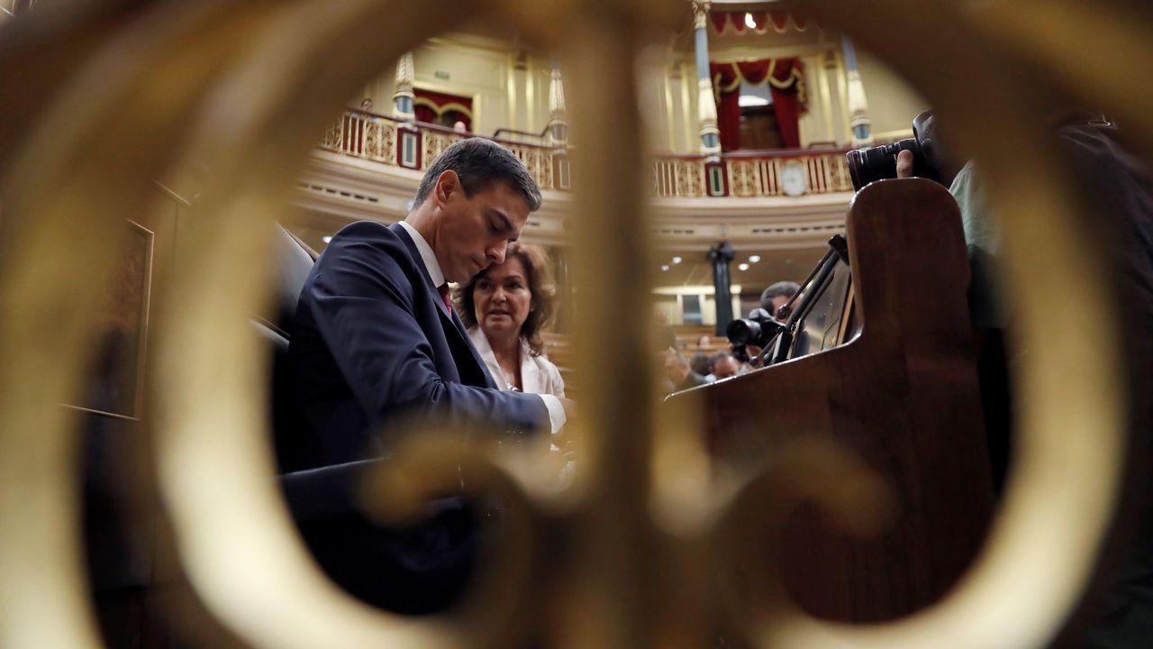 Acuerdo para sacar a Franco del Valle de los Caídos.Sánchez reaccionó airado a la pregunta de Rivera, y lo acusó de hacer del Congreso un lodazal