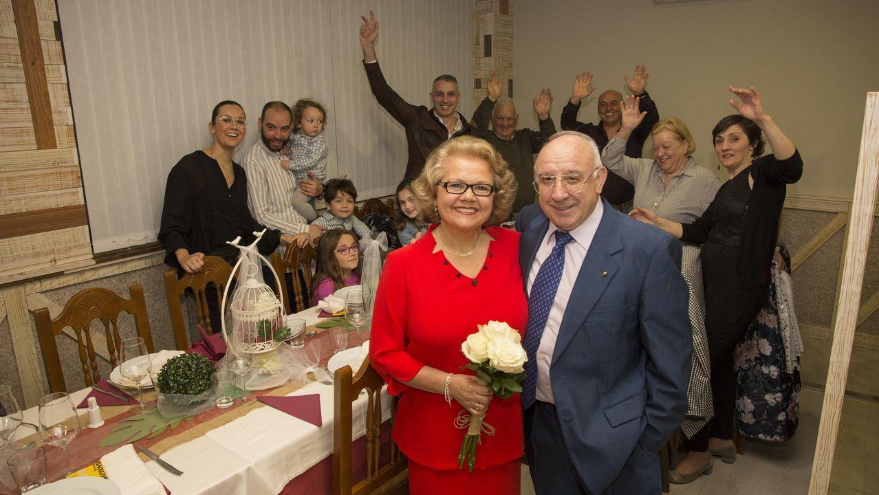 Las bodas de oro de José Antonio Periscal y Mariluz Sánchez, en imágenes.La conselleira de Política Social, Fabiola García