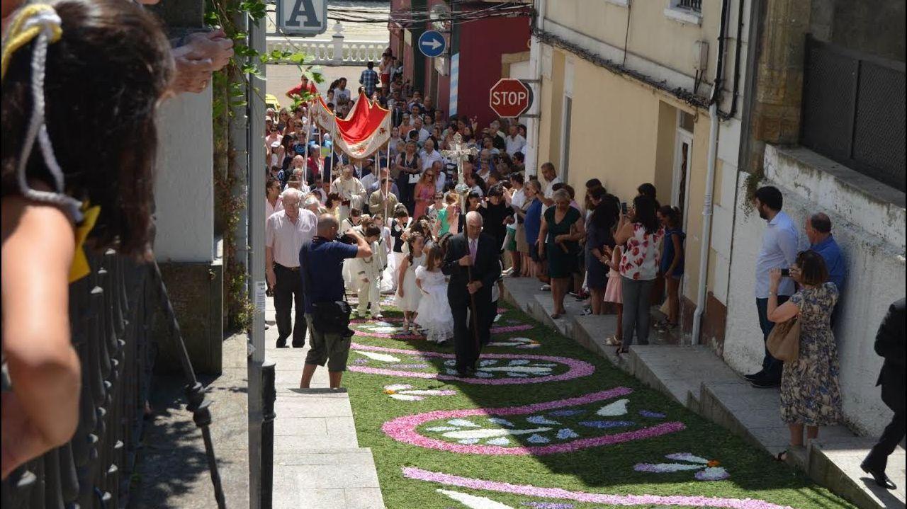 Exhibición motera por las calles de Xuvia