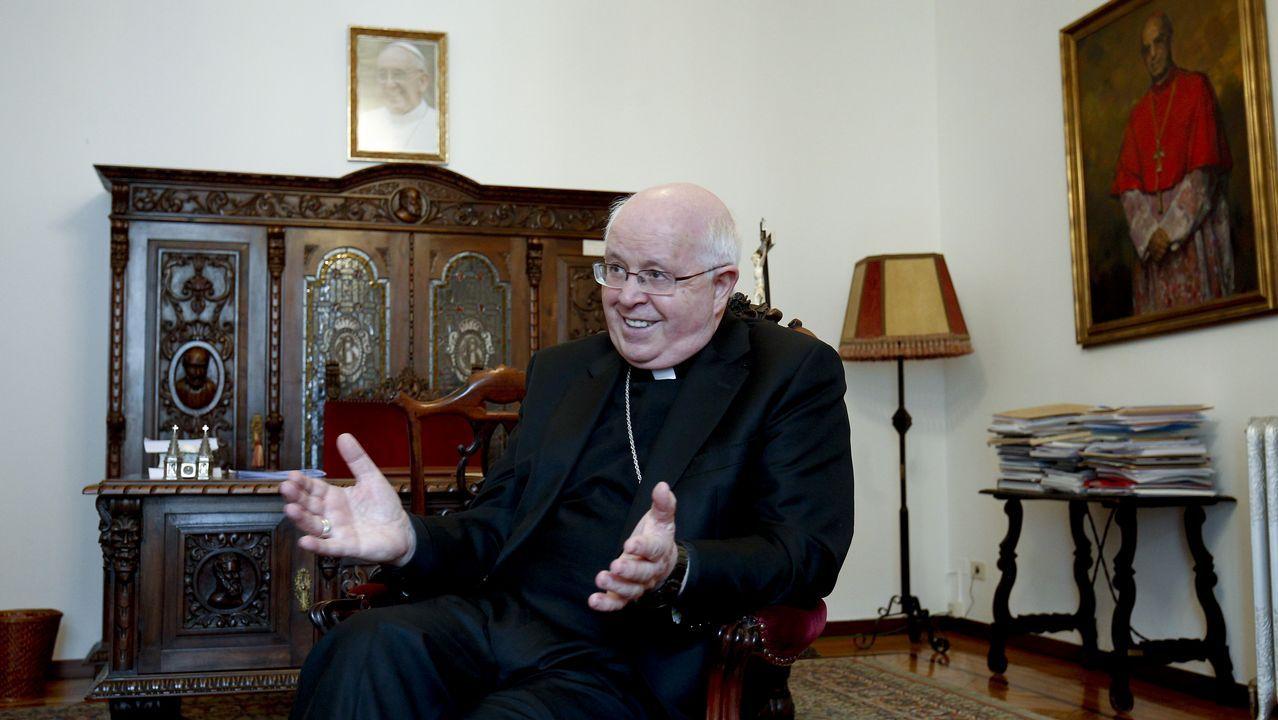 «Intentaremos que el Papa visite Galicia el próximo año santo».