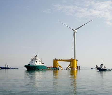 Prototipo instalado en Póvoa de Varzim, a modo de ensayo del futuro parque eólico «off shore» de Viana.