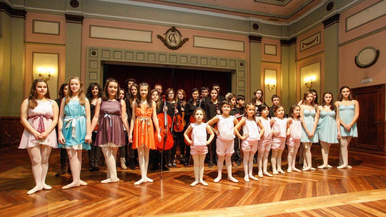 Imagen de archivo de alumnos de la Escuela de Danza Teresa Neri y del Centro de Música de Fingoi