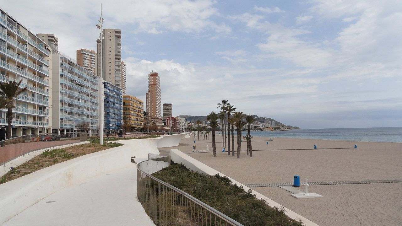 Las mejores imágenes del Rali de Ourense.Agentes de la UCO trasladan a Zaplana
