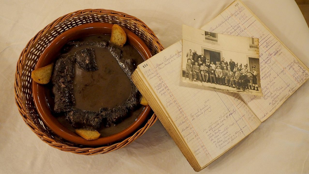 Calamidades urbanísticas en Padrón.Imagen de archivo del Chicle en el juzgado de Ribeira
