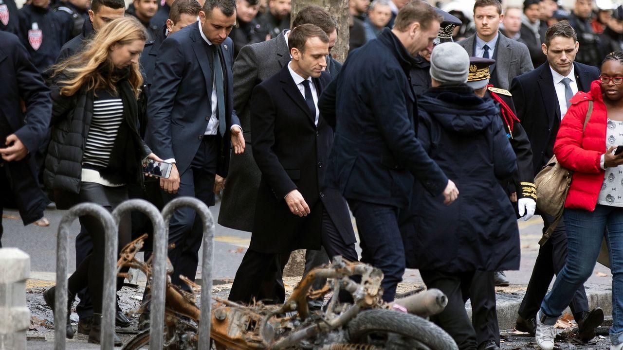 Macron comprobó los daños ocasionados en el Arco del Triunfo y en la avenida Kleber