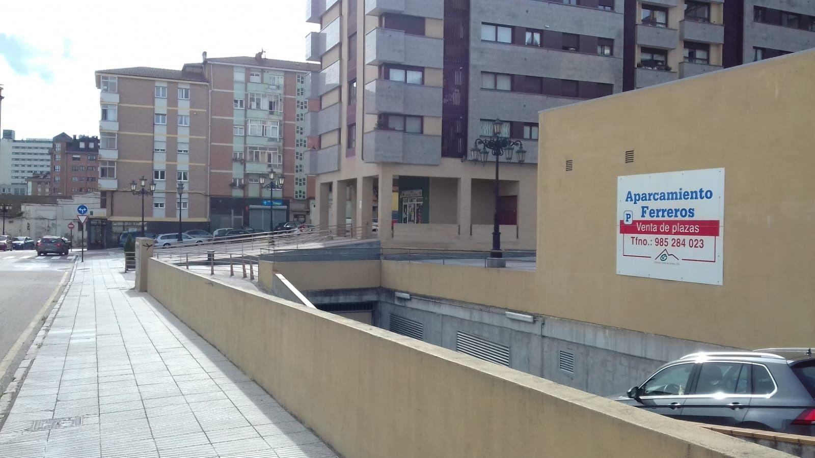 Saul Berjon Real Oviedo Rayo Majadahonda Wanda Metropolitano.Parking de los Ferreros en Ciudad Naranco, Oviedo