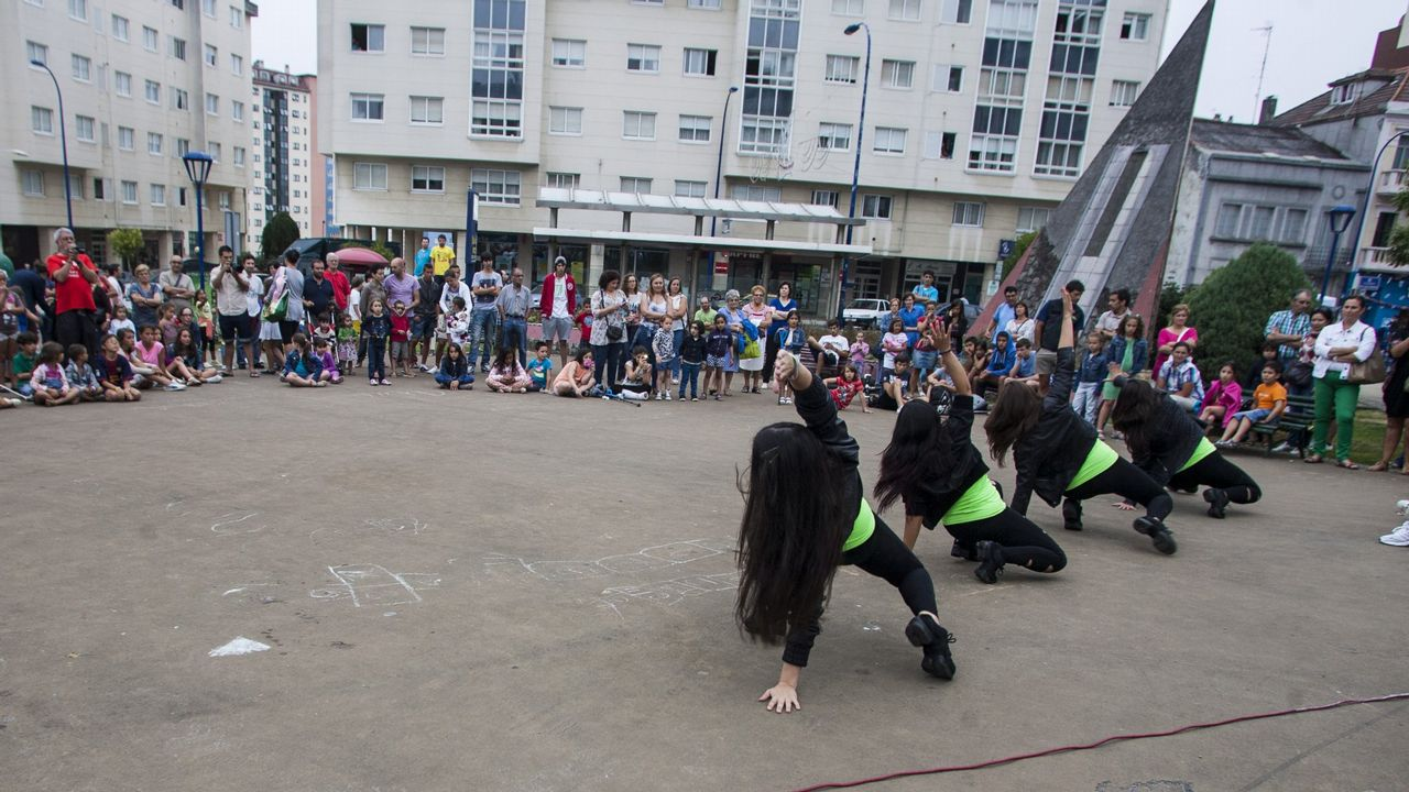¡Búscate en estas 200 imágenes de la Festa do Percebe de Corme!