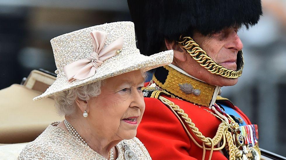 El nuevo look de Kate Middleton.El príncipe Guillermo, duque de Cambridge, y a su hijo George con motivo del bautizo de Carlota