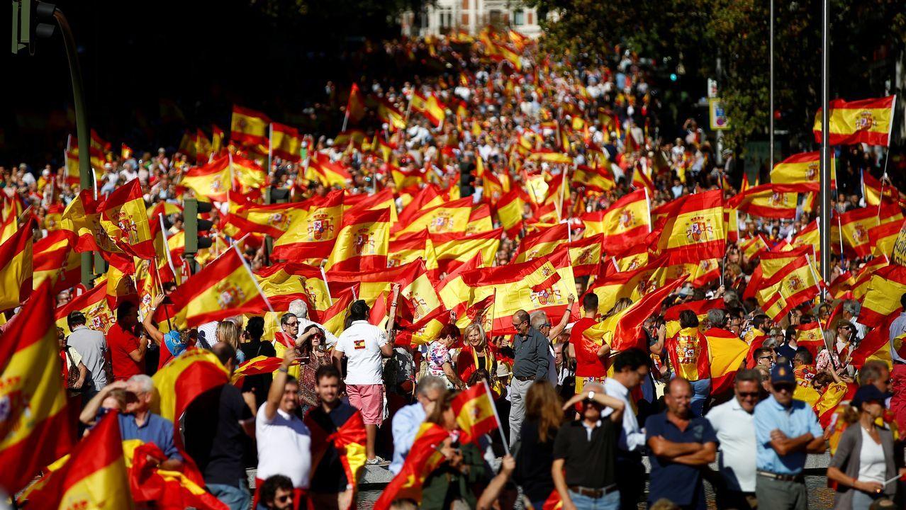 Miles de personas se concentran en Madrid por la unidad de España.