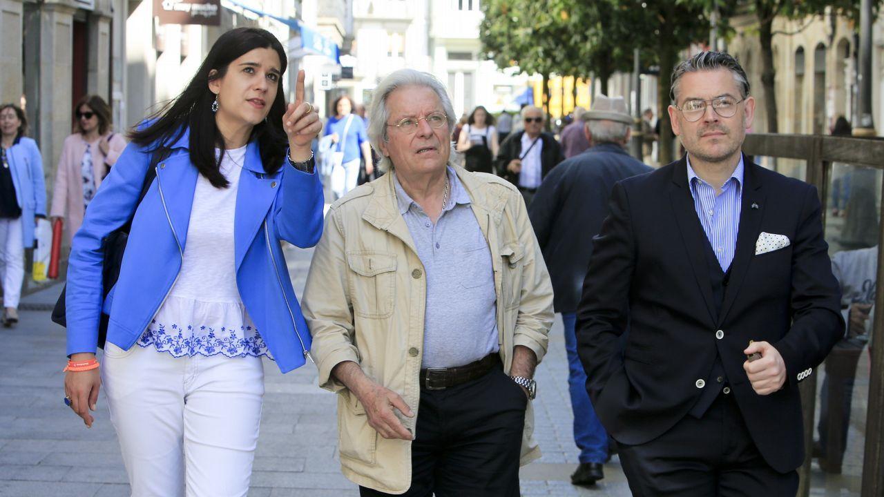Pablo Iglesias, sobre las donaciones de Amancio Ortega: «La sanidad no puede depender de ningún millonario».El candidato de Ciudadanos a las Europeas, Javier Nart, visitó Lugo acompañado por la candidata local, Olga Louzao